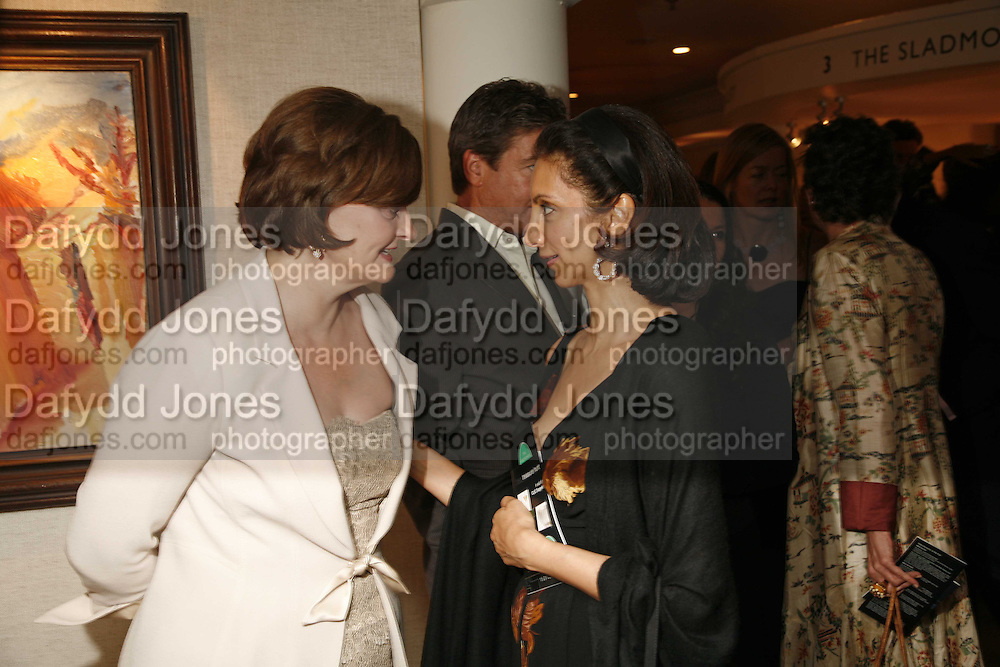 Cherie Booth and Mrs. Aiden Barclay, Gala champagne reception and dinner in aid of CLIC Sargent.  Grosvenor House Art and Antiques Fair.  Grosvenor House. Park Lane. London. 14 June 2006. ONE TIME USE ONLY - DO NOT ARCHIVE  © Copyright Photograph by Dafydd Jones 66 Stockwell Park Rd. London SW9 0DA Tel 020 7733 0108 www.dafjones.com