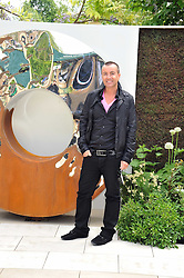 JULIEN MACDONALD at the RHS Chelsea Flower Show 2009 held inthe gardens of the Royal Hospital Chelsea on 18th May 2009.