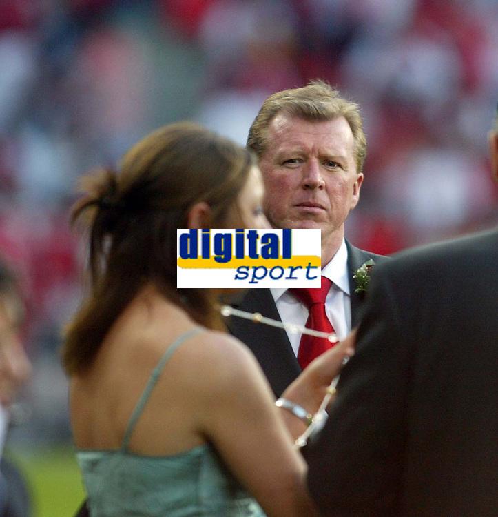 Photo: Chris Ratcliffe.<br /> Middlesbrough v Sevilla. UEFA Cup Final. 10/05/2006.<br /> Boro boss Steve McLarene ladies keeps his eyes on .