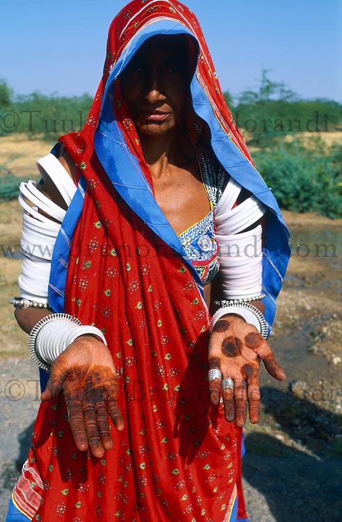 Inde. Rajasthan. Femmes rajputes dans la region de Ghanerao. // India. Rajasthan. Rajput woman around Ghanerao