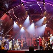 NLD/Soest/20180518 - 1e Voorstelling musical Elisabeth bij paleis Soestdijk, slotapplaus