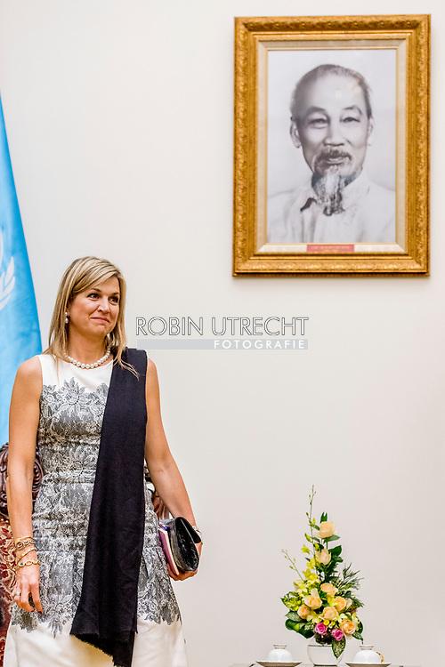 1-6-2017 - HANOI VIETNAM -  Gesprek met de plv. minister-president Vuong Dinh Hue.  Queen Maxima, in her capacity as Special advocate of the Secretary-General of the United Nations, for Inclusive Finance for Development, will visit the Socialist Republic of Vietnam on Tuesday, May 30, and Thursday, June 1, 2017. COPYRIGHT ROBIN UTRECHT <br /> <br /> 1-6-2017 - HANOI VIETNAM -   Gesprek met de plv. minister-president Vuong Dinh Hue.  Koningin Maxima bezoekt in haar hoedanigheid van speciale pleitbezorger van de secretaris-generaal van de Verenigde Naties voor inclusieve financiering voor ontwikkeling (inclusive finance for development) de Socialistische Volksrepubliek Vietnam van dinsdag 30 mei en met donderdag 1 juni 2017.  COPYRIGHT ROBIN UTRECHT NETHERLANDS ONLY !!