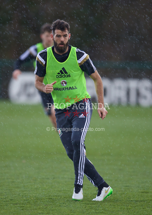 CARDIFF, WALES - Tuesday, March 24, 2015: Wales' Joe Ledley during a training session at the Vale of Glamorgan ahead of the UEFA Euro 2016 qualifying Group B match against Israel. (Pic by David Rawcliffe/Propaganda)