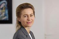 12 DEC 2005, BERLIN/GERMANY:<br /> Ursula von der Leyen, CDU, Bundesfamilienministerin, an ihrem Schreibtisch, in ihrem Buero, Bundesministerium fuer Familie, Senioren, Frauen, und Jugend<br /> Ursula von der Leyen, Federal Minister for family, Seniors, Women and Youth, in her office<br /> IMAGE: 20051212-01-038