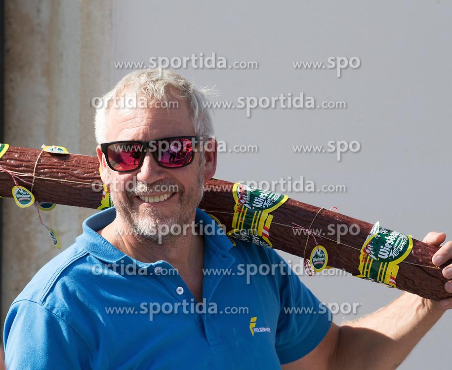 04.07.2017, Pöggstall, AUT, Ö-Tour, Österreich Radrundfahrt 2017, 2. Etappe von Wien nach Pöggstall (199,6km), im Bild Directeur Sportif Andreas Grossek, AUT (Team Felbermayr Simplon Wels) // Directeur Sportif Andreas Grossek of Austria (Team Felbermayr Simplon Wels) during the 2nd stage from Vienna to Pöggstall (199,6km) of 2017 Tour of Austria. Pöggstall, Austria on 2017/07/04. EXPA Pictures © 2017, PhotoCredit: EXPA/ Reinhard Eisenbauer