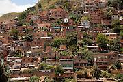 Belo Horizonte_MG, Brasil..Aglomerado da Serra em Belo Horizonte...Aglomerado da Serra in Belo Horizonte...Foto: LEO DRUMOND / NITRO