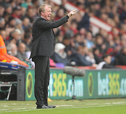 Newcastle United Manager, Steve McClaren - Mandatory byline: Paul Terry/JMP - 07966 386802 - 07/11/2015 - FOOTBALL - Vitality Stadium - Bournemouth, England - AFC Bournemouth v Newcastle United - Barclays Premier League