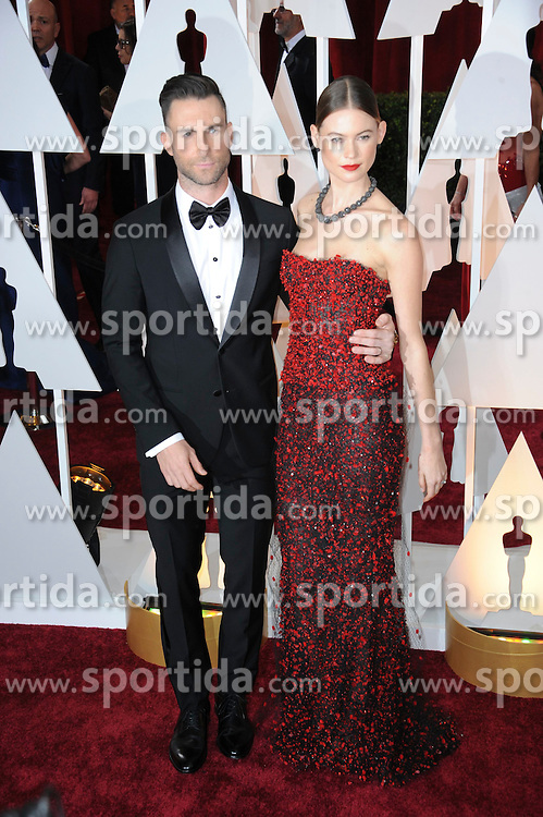 22.02.2015, Dolby Theatre, Hollywood, USA, Oscar 2015, 87. Verleihung der Academy of Motion Picture Arts and Sciences, im Bild Adam Levine &amp; Behati Prinsloo // attends 87th Annual Academy Awards at the Dolby Theatre in Hollywood, United States on 2015/02/22. EXPA Pictures &copy; 2015, PhotoCredit: EXPA/ Newspix/ PGMP<br /> <br /> *****ATTENTION - for AUT, SLO, CRO, SRB, BIH, MAZ, TUR, SUI, SWE only*****