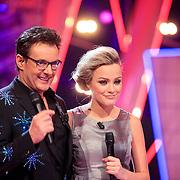 NLD/Hilversum/20130126 - 5e Liveshow Sterren Dansen op het IJs 2013, gerard Joling en Tess Milne
