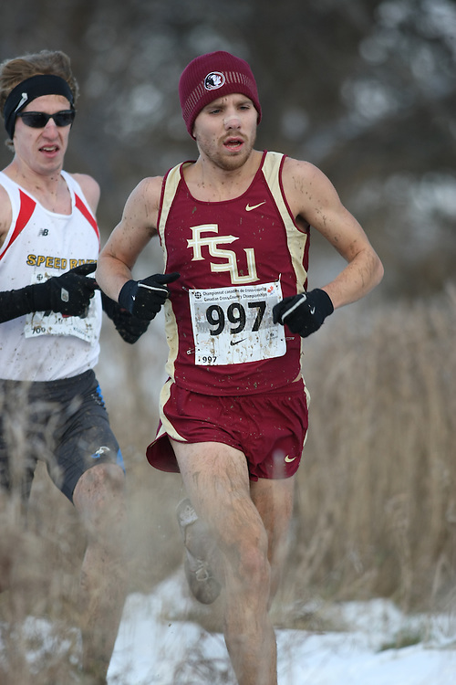 Guelph, Ontario ---29/11/08---  Nick Sunseri competes in the senior men's race at the 2008 AGSI Canadian Cross Country Championships in Guelph, Ontario, November 29, 2008..Sean Burges Mundo Sport Images