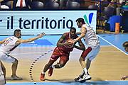 Descrizione: Beko Supercoppa 2015 Finale Grissin Bon Reggio Emilia - Olimpia EA7 Emporio Armani Milano<br /> GIOCATORE: Jamal McLean<br /> CATEGORIA: Palleggio Penetrazione<br /> SQUADRA: Olimpia EA7 Emporio Armani Milano<br /> EVENTO: Beko Supercoppa 2015<br /> GARA: Grissin Bon Reggio Emilia - Olimpia EA7 Emporio Armani Milano<br /> DATA: 27/09/2015<br /> SPORT: Pallacanestro<br /> AUTORE: Agenzia Ciamillo-Castoria/GiulioCiamillo
