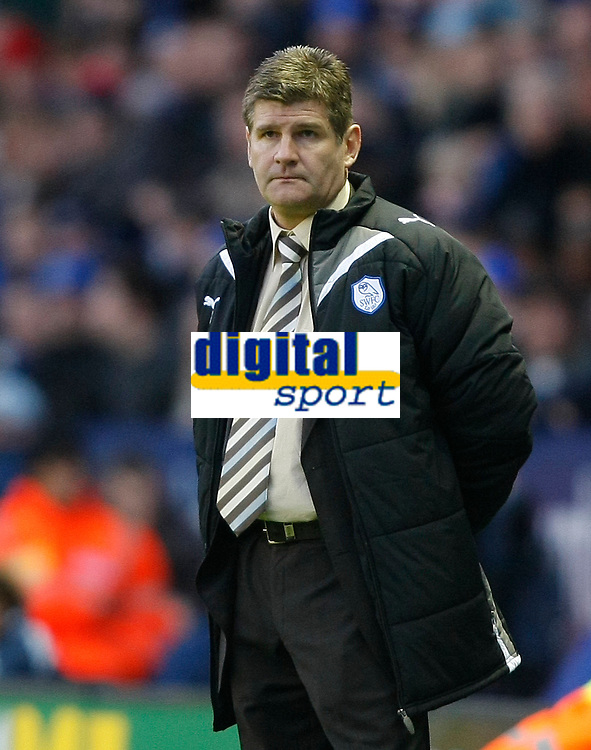 Photo: Steve Bond/Richard Lane Photography. Leicester City v Sheffield Wednesday. Coca Cola Championship. 12/12/2009. Wednesday manager Brian Laws looks on as his team go 2-0 down in 20 minutes