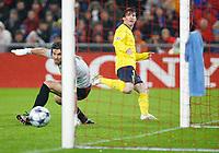 Tor zum 0:1 duch Lionel Messi gegen Franco Costanzo. © Daniela Frutiger/EQ Images