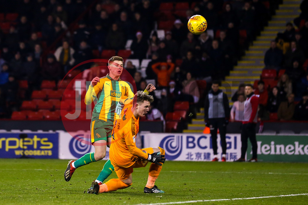Harvey Barnes of West Bromwich Albion has a shot saved by Dean Henderson of Sheffield United - Mandatory by-line: Robbie Stephenson/JMP - 14/12/2018 - FOOTBALL - Bramall Lane - Sheffield, England - Sheffield United v West Bromwich Albion - Sky Bet Championship