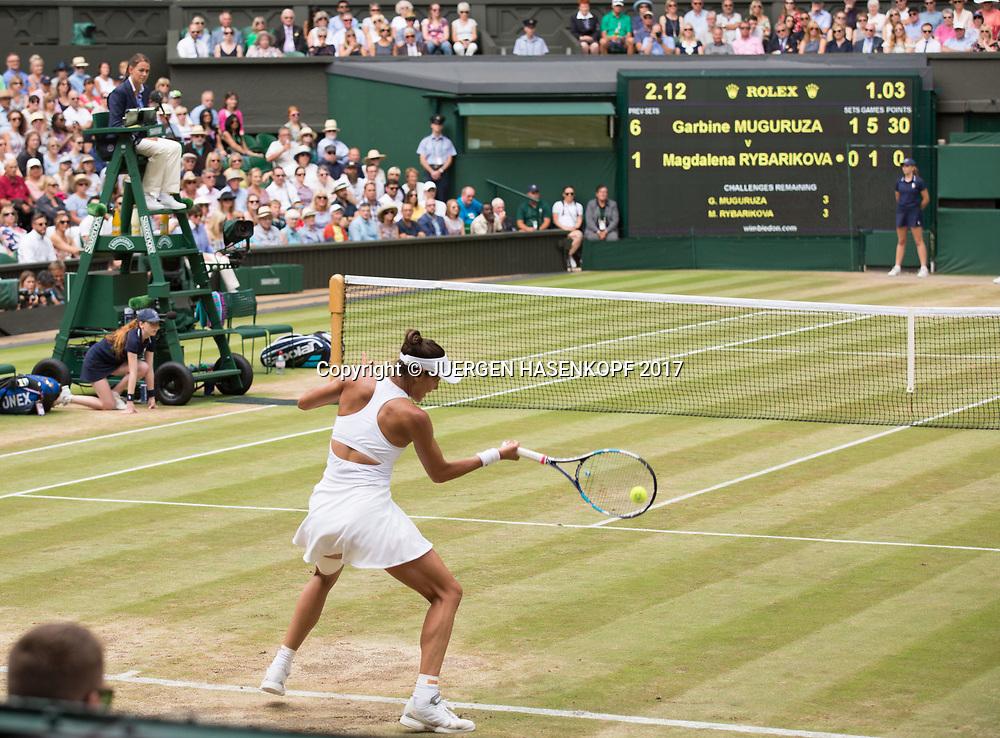 GARBI&Ntilde;E MUGURUZA (ESP), Anzeigetafel,Centre Court,<br /> <br /> Tennis - Wimbledon 2017 - Grand Slam ITF / ATP / WTA -  AELTC - London -  - Great Britain  - 13 July 2017.