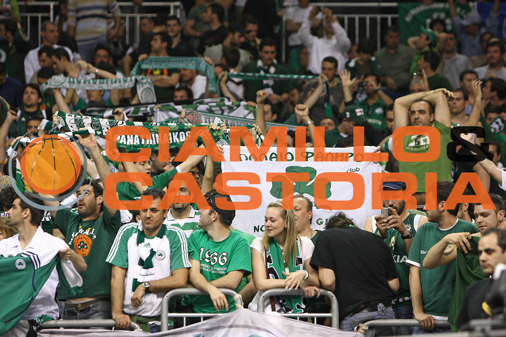 DESCRIZIONE : Berlino Eurolega 2008-09 Final Four Finale Panathinaikos Atene CSKA Mosca <br /> GIOCATORE : Supporter<br /> SQUADRA : Panathinaikos Atene <br /> EVENTO : Eurolega 2008-2009 <br /> GARA : Panathinaikos Atene CSKA Mosca <br /> DATA : 03/05/2009 <br /> CATEGORIA :  Supporter<br /> SPORT : Pallacanestro <br /> AUTORE : Agenzia Ciamillo-Castoria/C.De Massis