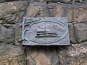 vid stambanans gamla sträckning mellan Stockholm södra och Årstaviken