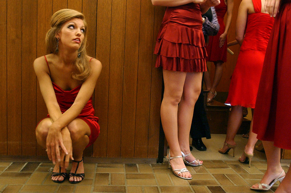 MICHAEL ZAMORA o THE MORNING NEWS.Allison Waldrip of Moro, Ark., sits backstage and waits with the other contestants Sunday, Jan. 21, 2007, for their individual interview on stage at the Miss University of Arkansas Pageant in the campus union ballroom in Fayetteville.