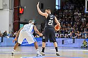 DESCRIZIONE : Beko Legabasket Serie A 2015- 2016 Dinamo Banco di Sardegna Sassari - Pasta Reggia Juve Caserta<br /> GIOCATORE : Marco Giuri<br /> CATEGORIA : Palleggio Schema Mani<br /> SQUADRA : Pasta Reggia Juve Caserta<br /> EVENTO : Beko Legabasket Serie A 2015-2016<br /> GARA : Dinamo Banco di Sardegna Sassari - Pasta Reggia Juve Caserta<br /> DATA : 03/04/2016<br /> SPORT : Pallacanestro <br /> AUTORE : Agenzia Ciamillo-Castoria/C.Atzori