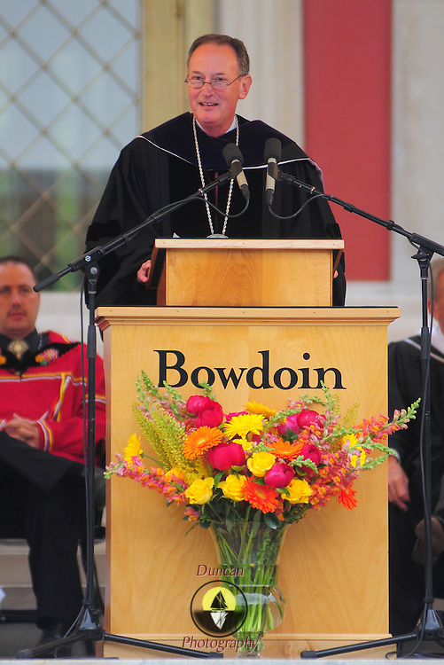 5/23/09 -- BRUNSWICK, Maine. Barry Mills, President of Bowdoin College, addresses the gathered crowd for Commencement ceremonies.  449 students from around the world graduated from college on Sunday morning - including 51 from Maine.  .The college awarded honorary doctorates to Dramatist Edward Albee; Visual Artist Stephen Hannock - Bowdoin class of 1974; Breast Cancer Scientist Olufunmilayo Olopade; Human Rights activist and lawyer Kenneth Roth; and Inuit rights and climate activist Shiela Watt-Cloutier.  Photo by Roger S. Duncan.