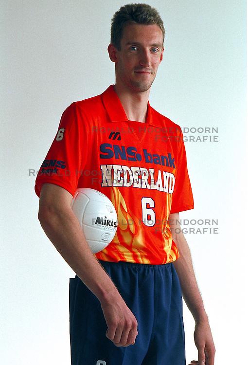 21-05-1997 VOLLEYBAL: TEAMPRESENTATIE MANNEN: WOERDEN<br /> Richard Schuil<br /> &copy;2007-WWW.FOTOHOOGENDOORN.NL