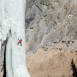 Aaron Mulkey climbing the sixth pitch of Broken Hearts in Cody, Wyoming