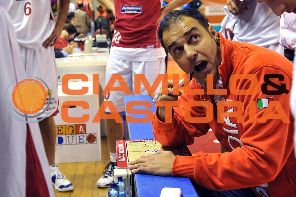 DESCRIZIONE : Udine Lega A2 2010-11 Snaidero Udine Tuscany Pistoia<br /> GIOCATORE : Paolo Moretti<br /> SQUADRA :  Tuscany Pistoia<br /> EVENTO : Campionato Lega A2 2010-2011<br /> GARA : Snaidero Udine Tuscany Pistoia<br /> DATA : 24/10/2010<br /> CATEGORIA : Coach<br /> SPORT : Pallacanestro <br /> AUTORE : Agenzia Ciamillo-Castoria/S.Ferraro<br /> Galleria : Lega Basket A2 2009-2010 <br /> Fotonotizia : Udine Lega A2 2010-11 Snaidero Udine Tuscany Pistoia <br /> Predefinita :