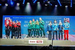 02.03.2019, Seefeld, AUT, FIS Weltmeisterschaften Ski Nordisch, Seefeld 2019, Skisprung, Mixed Team, Siegerehrung, im Bild v.l. Silbermedaillengewinner Eva Pinkelnig (AUT), Philipp Aschenwald (AUT), Daniela Iraschko-Stolz (AUT), Stefan Kraft (AUT), Weltmeister und Goldmedaillengewinner Katharina Althaus (GER), Markus Eisenbichler (GER), Juliane Seyfarth (GER), Karl Geiger (GER), Bronzemedaillengewinner Anna Odine Stroem (NOR), Robert Johansson (NOR), Maren Lundby (NOR), Andreas Stjernen (NOR) // f.l. Silver medalist Eva Pinkelnig Philipp Aschenwald Daniela Iraschko-Stolz Stefan Kraft of Austria World champion and Gold medalist Katharina Althaus Markus Eisenbichler Juliane Seyfarth Karl Geiger of Germany and Bronce medalist Anna Odine Stroem Robert Johansson Maren Lundby Andreas Stjernen of Norway during the winner Ceremony for the mixed team competition in ski jumping of nordic combination of FIS Nordic Ski World Championships 2019. Seefeld, Austria on 2019/03/02. EXPA Pictures © 2019, PhotoCredit: EXPA/ Stefan Adelsberger