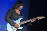 Joan Armatrading auf Me, Myself, I Tour 2015 in der Meier Music Hall  Braunschweig am 21.January 2015. Foto: Rüdiger Knuth