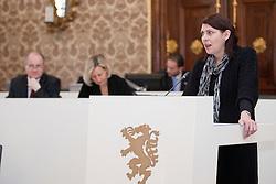 14.12.2010, Landtag, Graz, AUT, Sitzung des Steiermärkischen Landtags, im Bild LAbg. Sabine Jungwirth (Die Grünen), EXPA Pictures © 2010, PhotoCredit: EXPA/ Erwin Scheriau