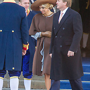 NLD/Amsterdam/20161128 - Belgisch Koningspaar start staatsbezoek aan Nederland, Koning Willem Alexander en koningin Maxima