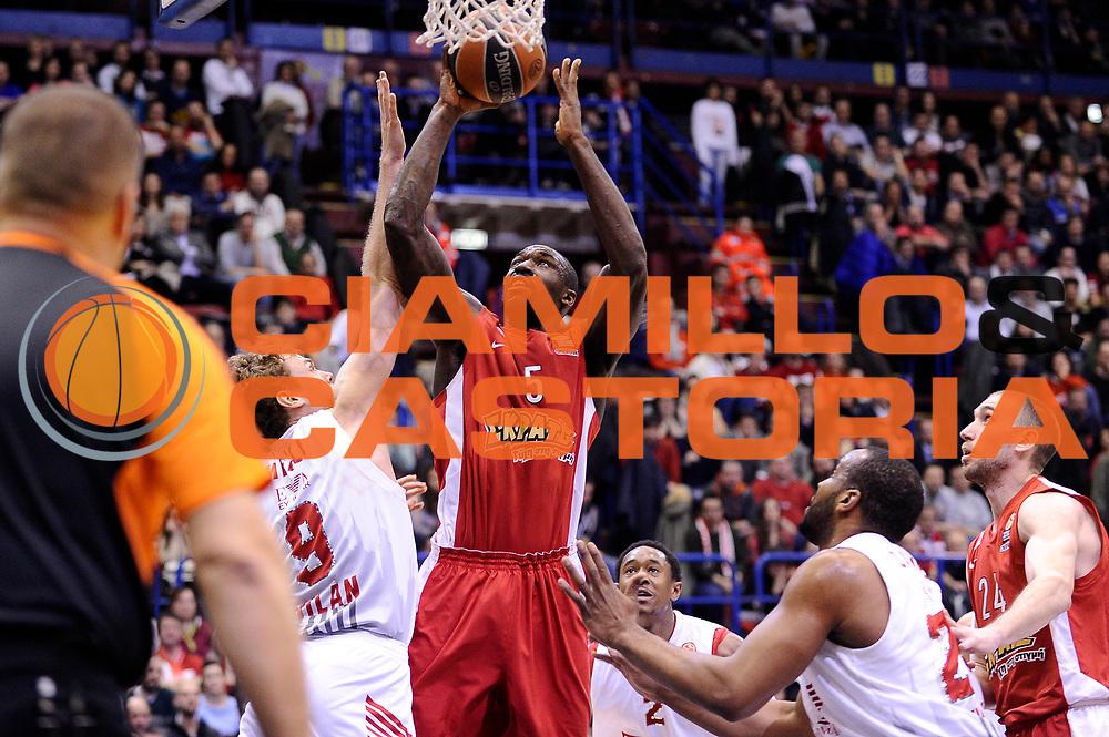 DESCRIZIONE : Milano Eurolega Euroleague 2014-15 EA7 Emporio Armani Milano Olympiacos Piraeus<br /> GIOCATORE : Othello Hunter<br /> CATEGORIA : tiro<br /> SQUADRA : Olympiacos Piraeus<br /> EVENTO : Eurolega Euroleague 2014-2015<br /> GARA : EA7 Emporio Armani Milano Olympiacos Piraeus<br /> DATA : 06/03/2015<br /> SPORT : Pallacanestro <br /> AUTORE : Agenzia Ciamillo-Castoria/Max.Ceretti<br /> Galleria : Eurolega Euroleague 2014-2015<br /> Fotonotizia : Milano Eurolega Euroleague 2014-15 EA7 Emporio Armani Milano Olympiacos Piraeus<br /> Predefinita :