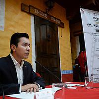 Toluca, México.- Pablo Valdominos Romero, director del Instituto Municipal de la Juventud del Ayuntamiento de Toluca, convocó al Premio de Prevención en Cortometraje, que busca apoyar a la prevención de la violencia entre los jóvenes de Toluca . Agencia MVT / Crisanta Espinosa
