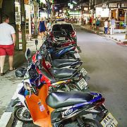 THA/Koh Samui/20160804 - Vakantie Thailand 2016 Koh Samui, scooters in de straten van Lamai Beach
