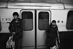 CESKOSLOVENSKO 80s - Ceskoslovenska socialisticka republika<br /> V ramci RVHP( rada vzajemne hospodarske pomoci) byli do Ceskoslovenska posilani studenti a delnici z &quot;tretich svetu&quot;. Proto i v soucasne Ceske republice je z cizincu nejpocetnejsi vietnamska komunita  , ktera zde po revoluci v roce 1989 zacala uspesne podnikat.