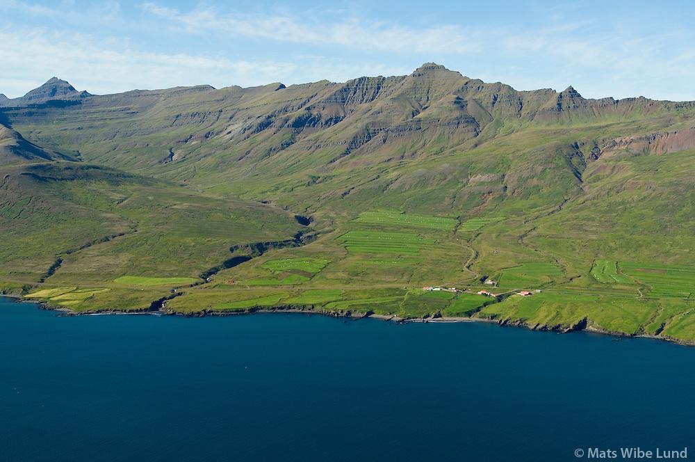 Brímnes og Brímnesgerði (eyðibýli) séð til norðurs, Fjarðabyggð áður Fáskrúðsfjarðarhreppur /  Brimnes and Brimnesgerdi viewing north, Fjardabyggd former Faskrudsfjardarghreppur