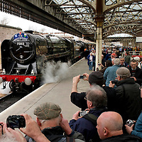 A packed Perth railway station as the Great Britain III en-route from Inverness to Edinburgh pulled by BR Britannia Class &MT 4-6-2 no 70013 Oliver Cromwell and LNER K4 Class 2-6-0 no 61994 The Great Marquess is surrounded by steam enthusiasts.....13.04.10<br /> Picture by Graeme Hart.<br /> Copyright Perthshire Picture Agency<br /> Tel: 01738 623350  Mobile: 07990 594431