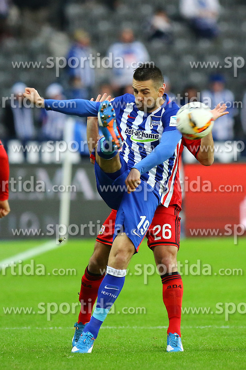 05.12.2015, Olympiastadion, Berlin, GER, 1. FBL, Hertha BSC vs Bayer 04 Leverkusen, 15. Runde, im Bild Vedad Ibisevic (#19, Hertha BSC Berlin) klaert vor Giulio Donati (#26, Bayer 04 Leverkusen) // during the German Bundesliga 15th round match between Hertha BSC and Bayer 04 Leverkusen at the Olympiastadion in Berlin, Germany on 2015/12/05. EXPA Pictures &copy; 2015, PhotoCredit: EXPA/ Eibner-Pressefoto/ Hundt<br /> <br /> *****ATTENTION - OUT of GER*****