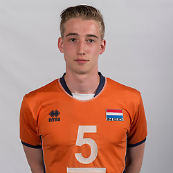 07-06-2016 NED: Jeugd Oranje jongens <1999, Arnhem<br /> Photoshoot met de jongens uit jeugd Oranje die na 1 januari 1999 geboren zijn / Noah van Dam SV