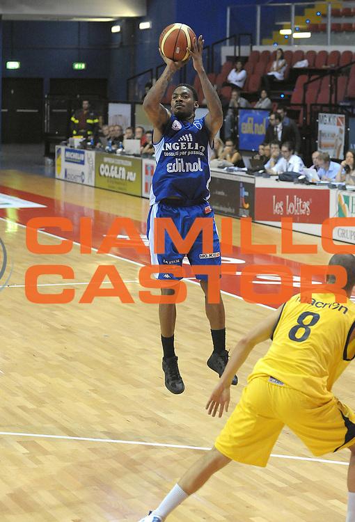 DESCRIZIONE : Biella II Torneo Memorial Gontero Lega A 2011-12 Angelico Biella Fabi Shoes Montegranaro <br /> GIOCATORE : <br /> SQUADRA : <br /> EVENTO : Finale Memorial Gontero Lega A 2011-2012 <br /> GARA : Angelico Biella Fabi Shoes Montegranaro <br /> DATA : 18/09/2011<br /> CATEGORIA : <br /> SPORT : Pallacanestro <br /> AUTORE : Agenzia Ciamillo-Castoria/ L.Goria<br /> Galleria : Lega Basket A 2011-2012 <br /> Fotonotizia : Biella II Torneo Memorial Gontero Lega A 2010-11 Angelico Biella Fabi Shoes Montegranaro <br /> Predefinita :
