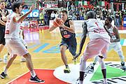 DESCRIZIONE : Openjobmetis Varese Lega A 2015-16 Openjobmetis Varese vs Pasta Reggia Caserta<br /> GIOCATORE : Daniele Cinciarini<br /> CATEGORIA : Penetrazione<br /> SQUADRA :  Pasta Reggia Juve Caserta<br /> EVENTO : Campionato Lega A 2015-2016 GARA : Openjobmetis Varese Pasta Reggia Caserta <br /> DATA : 04/10/2015 <br /> SPORT : Pallacanestro <br /> AUTORE : Agenzia Ciamillo-Castoria/IvanMancini<br /> Galleria : Lega Basket A 2015-2016 Fotonotizia : Varese  Lega A 2015-16 Openjobmetis Varese Pasta Reggia Caserta