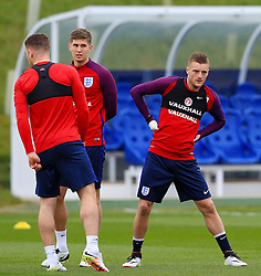 England's Jamie Vardy (Leicester City) warms up - Mandatory byline: Matt McNulty/JMP - 22/03/2016 - FOOTBALL - St George's Park - Burton Upon Trent, England - Germany v England - International Friendly - England Training and Press Conference