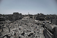 Gaza Strip, Gaza City: Overview of Shujaya district taken from the damaged El Murabetin mosque during the ceasefire on July 26, 2014. ALESSIO ROMENZI