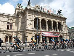13.07.2014, Wien, AUT, 66. Österreich Radrundfahrt, 8. Etappe during the 66th Tour of Austria, Stage 8, from Podersdorf am Neusiedler-See to Vienna, im Bild Pete Kennaugh, (GBR) 1. // Pete Kennaugh of Great Britain in front of the Staatsoper Vienna during the 66th Tour of Austria, Stage 6, from St.Johann Alpendorf to Villach Dobratsch, Wien, Austria on 2014/07/13. EXPA Pictures © 2014, PhotoCredit: EXPA/ Reinhard Eisenbauer