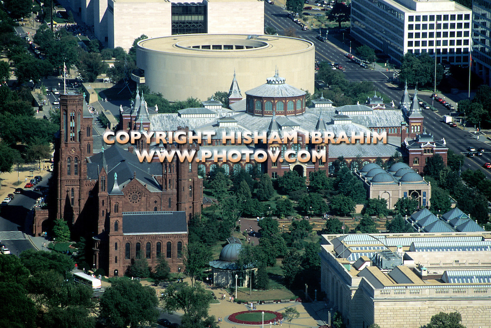 Aerial view of the Smithsonian Institution Castle, Washington DC, USA
