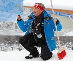 06.01.2012, Paul Ausserleitner Schanze, Bischofshofen, AUT, 60. Vierschanzentournee, FIS Ski Sprung Weltcup, Qualifikation, im Bild FIS Skisprung Renndirektor Walter Hofer arbeitet an der Anlaufspur // FIS Ski Jumping race Director Walter Hofer works on the in-run before qualification of 60th Four-Hills-Tournament FIS World Cup Ski Jumping at Paul Ausserleitner Schanze, Bischofshofen, Austria on 2012/01/06. EXPA Pictures © 2012, PhotoCredit: EXPA/ Johann Groder