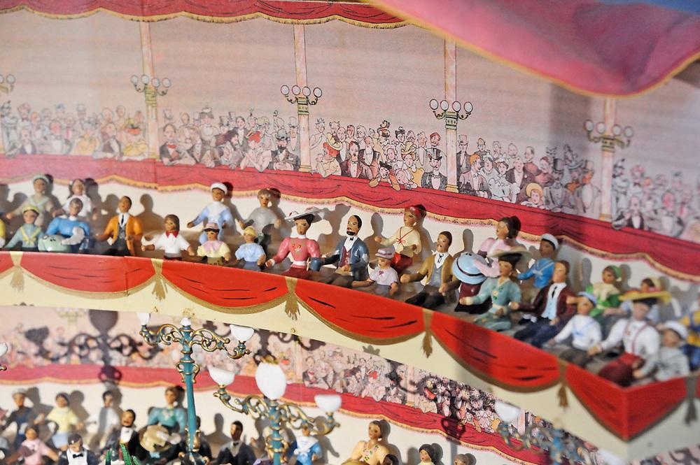19 avril 2017: En Anjou, l'entreprise CBG Mignot dirigé par monsieur Pemzec réalise des figurines de plomb peintent à la main. La collection de figurines de cirque de Mr Pemzec se mélange au nouvelles créations dans le musée de l'entreprise. LA BREILLE LES PINS (49), FRANCE.