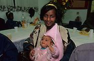 """arrival of new immigrants from Ethiopia, """"Falashmuras"""": Christians converted to Judaism  givaat amatos, Jerusalem  Israel     /// arrivee de nouveau amigrants  """"Falashmuras"""" d'Etiopie   givaat amatos, Jerusalem  Israel Chretiens  du Gundar en cours de conversion au judaisme descendant de la tribu de Dan  /// R00287/    L004319  /  P0007181"""