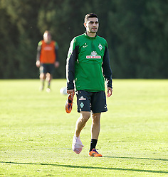 11.01.2014, Trainingsplatz, Jerez de la Frontera, ESP, 1. FBL, SV Werder Bremen, Trainingslager, im Bild Mehmet Ekici (SV Werder Bremen #10) mit Bandage am rechten Fuss // Mehmet Ekici (SV Werder Bremen #10) mit Bandage am rechten Fuss during Trainingsession of German Bundesliga Club SV Werder Bremen at Trainingsplatz in Jerez de la Frontera, Spain on 2014/01/11. EXPA Pictures © 2014, PhotoCredit: EXPA/ Andreas Gumz<br /> <br /> *****ATTENTION - OUT of GER*****