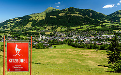 THEMENBILD - Im Blick der Zielsprung und das Zielgelände umgeben mit dem bergpanorama des Kitzbüheler Horn und der Stadt Kitzbühel, aufgenommen am 26. Juni 2017, Kitzbühel, Österreich // In the view of the goal jump and the target area surrounded by the mountain panorama of the Kitzbüheler Horn and the town of Kitzbuehel at the Streif, Kitzbühel, Austria on 2017/06/26. EXPA Pictures © 2017, PhotoCredit: EXPA/ Stefan Adelsberger